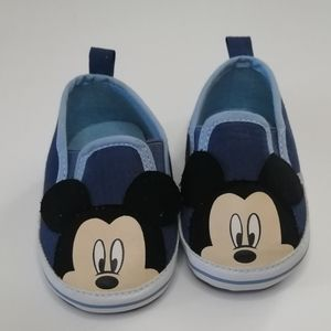 NWOT Disney Mickey Mouse sneakers *3-6 months*